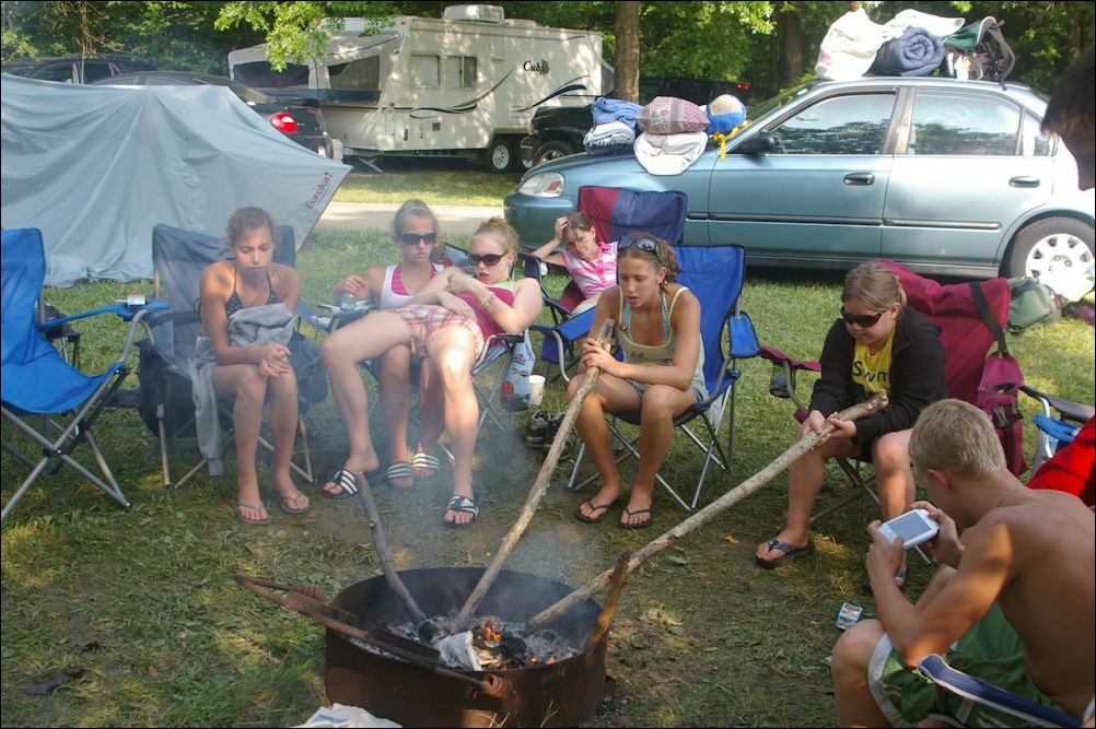 TDF2008Camping_4th_firepit